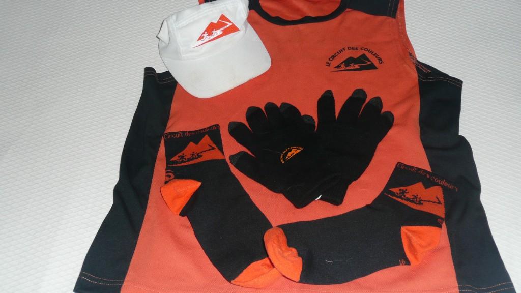 Casquette / camisole / gants / bas